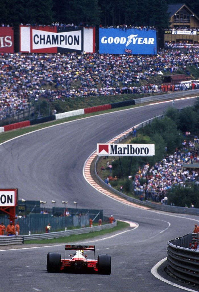 Ayrton Senna - McLaren MP4/4 - Eau Rouge - 1988 tumblr_myb94zQXzK1rod8iso1_1280.jpg (700×1024)