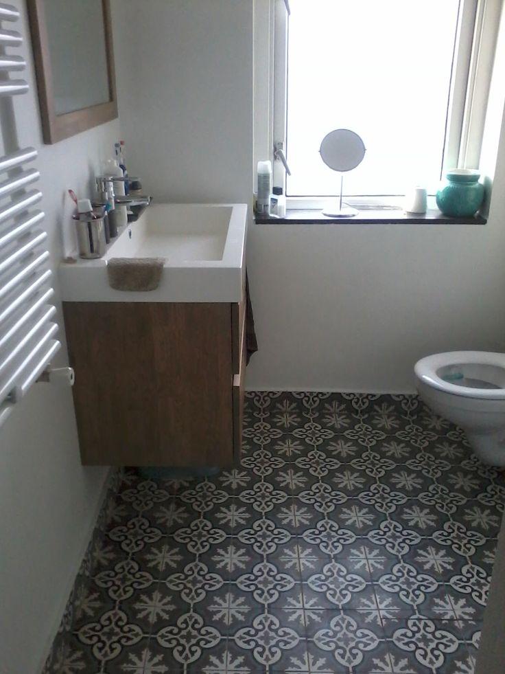 Cementtegels uit portugal badkamer idee n uw badkamer for Badkamer tegels