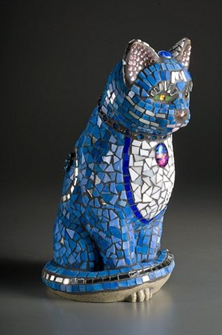 Nancy Keating: Be-jeweled Garden Cat - Art glass/mirror/ jewelry mosaic / Mosaics Garden