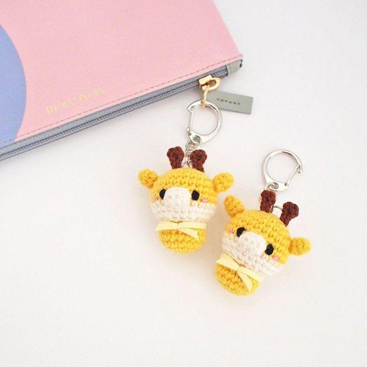 Crochet yellow giraffe keychain doll amigurumi by isodreams  손뜨개 기린 열쇠고리 인형 by 이소의꿈타래