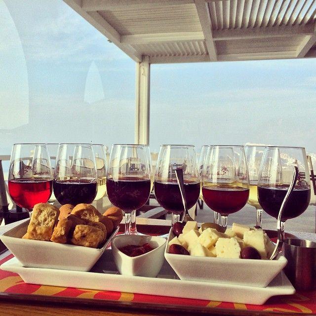#WineTasting #SantoWines #Santorini Photo credits: @_kayyy86_