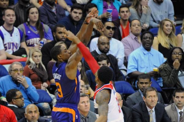 Phoenix Suns guard Brandon Knight sustained a torn ACL in his left knee that will require surgery, and he is expected to miss the entire…