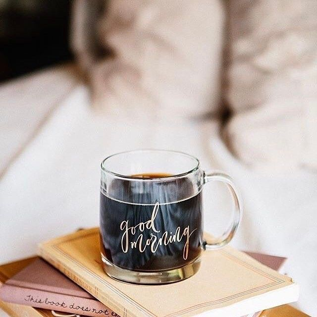 Jó reggelt a korán kelőknek! #coffee #coffeetime #thursday #morning #elle #tooearly #mik #ellehungary #winter  via ELLE HUNGARY MAGAZINE OFFICIAL INSTAGRAM - Fashion Campaigns  Haute Couture  Advertising  Editorial Photography  Magazine Cover Designs  Supermodels  Runway Models