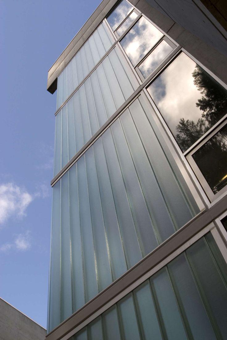 Pilkington Profilit™ translucent channel glass system