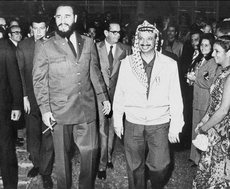 ياسر عرفات (أبو عمار) وفيديل كاسترو هافانا، كوبا ١٩٧٤  Yasser Arafat (Abu Ammar) and Fidel Castro Havana, Cuba 1974  Yasser Arafat (Abu Ammar) y Fidel Castro La Habana, Cuba 1974