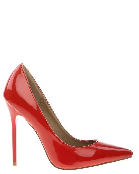 Röda, klassiska pumps med stilettklackar och spetsiga tår. Fina skor både till vardags och till fest.