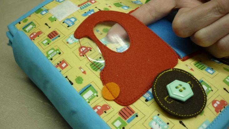 Далее очень много фото) Меняем зверьку ушки и кормим его соответствующей едой) Большое колесо на пуговице, маленькие-на кнопках. Идея домиков Елены(Фетрорадуга), большое вам спасибо!)))) http://www.babyblog.ru/user/lenta/id1590965