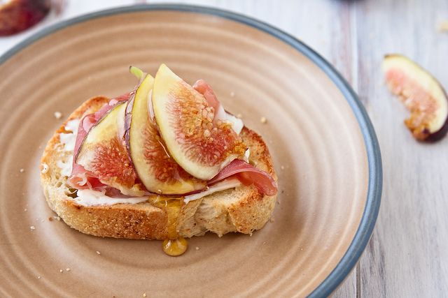 Crostini with Figs, Prosciutto, and Goat Cheese - Why is there no ...
