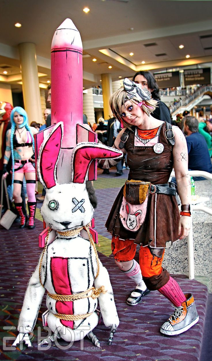 """Nobody steals Mushy Snugglebites' badonkadonk and lives!"" Tiny Tina (Borderlands 2)"