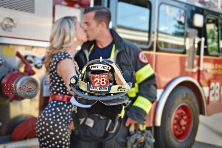 firefighter-engagement-photos-fall-engagement-session-photos-of-dogs-and-fire-men-chicago-photographer-7