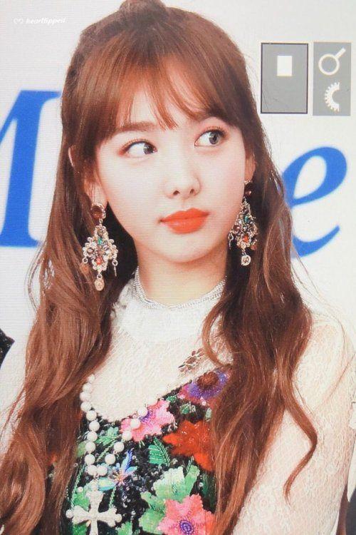 Pin de hldaamliak em TWICE | Chaeyoung twice, K idols, Kpop
