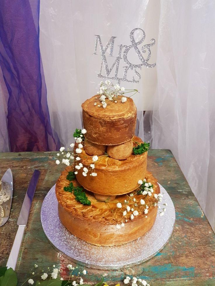 Man wedding cake