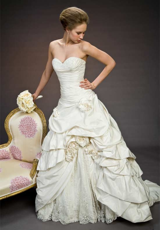 Kleinfeld exclusives pnina tornai wedding dresses for Pnina tornai corset wedding dresses