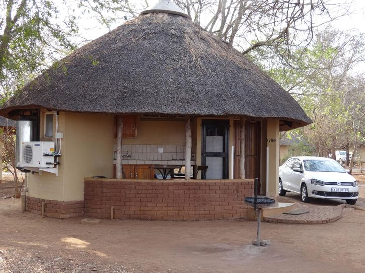 Satara Rest Camp (Kruger National Park, South Africa) - reserve hut next to east fence (perimeter, BD2Vs) to spot lion & hyena at night