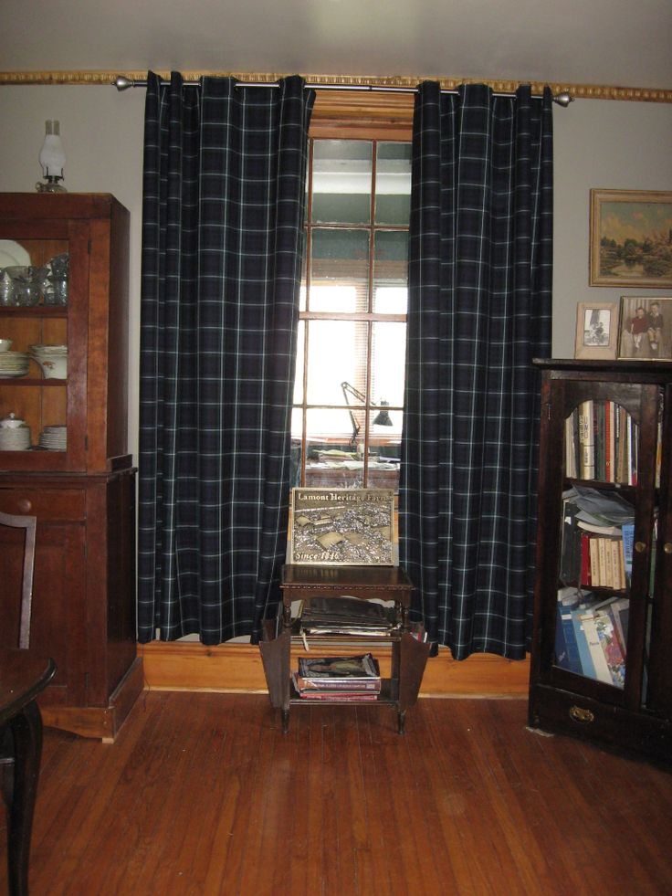 Gorgeous tartan curtains made by a customer of ours.  Lamont tartan material.