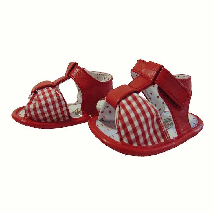 """Sandalias rojas de Bubble Bobble-3,00€ Prenda de segunda mano """"supernueva"""" de nuestra tienda online. Ropa de la mejores marcas a precios insignificantes www.charamusco.com"""