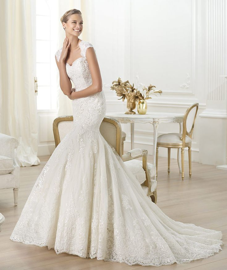 Pronovias presents the Letha wedding dress. Costura 2014. | Pronovias