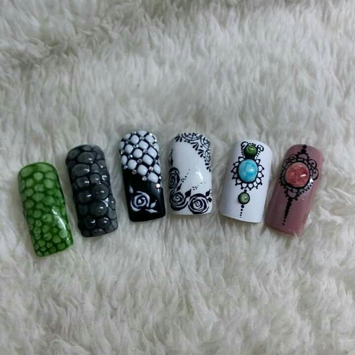 Nail art ..snake...flowers..gel stone...