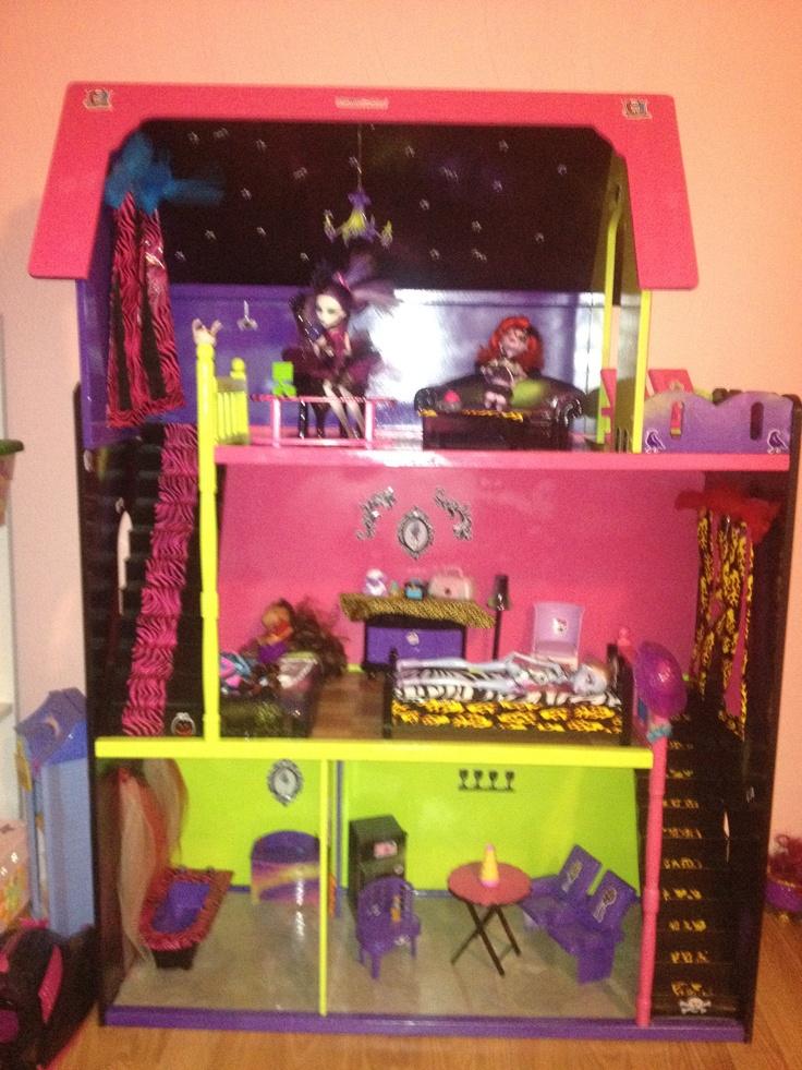 Custom DIY Monster High House, I Made For My Daughter. :)