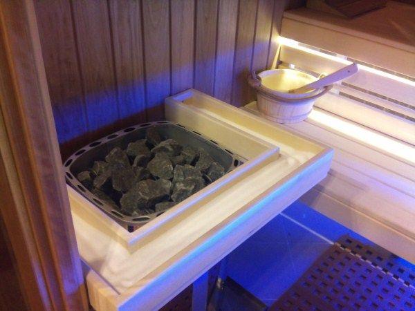 G-OLDLake sószauna — Finn szauna beépített sófallal és sóvályúval