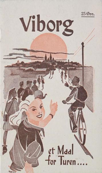 Som forsiden af denne folder fra 1940'erne viser, vandrer eller cykler mange besøgende til Viborg.