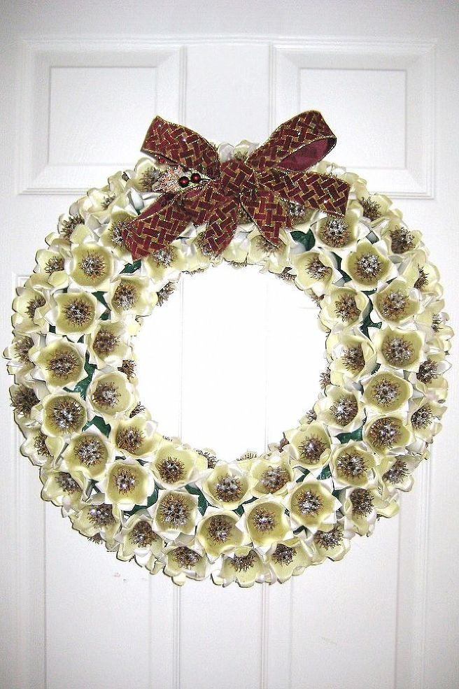 1000 images about sweet gum tree pod crafts on pinterest for Christmas decorations using egg cartons