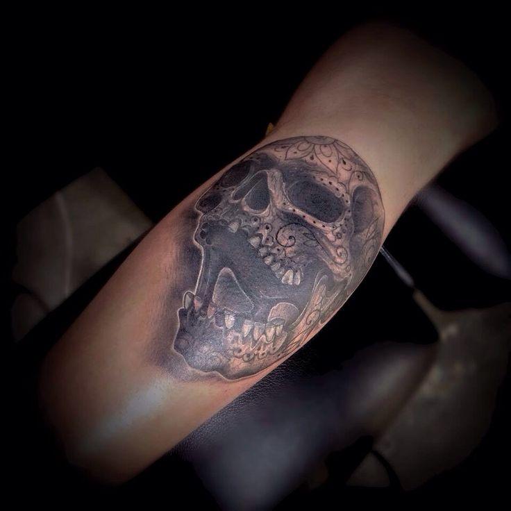 Lou Hopper Is Stunning Beautiful Stunning Tattoos: LOU HOPPER TATTOO