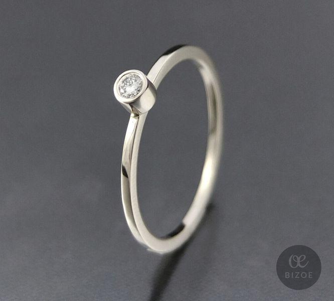 Złoty pierścionek z brylantem  w BIZOE na DaWanda.com