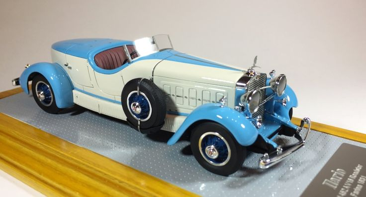 Ilario IL43099 1/43 Cadillac 452A Roadster Farina 1931 Original and Current Car
