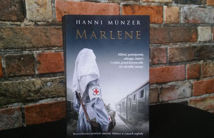 Nie wiem, czy ktoś rozdaje literackie nagrody zato, czy ijak bardzo autor rozwinął się pomiędzy jedną adrugą powieścią… alegdyby takie nagrody miały istnieć, odrazu zgłaszam kandydaturę Hanni Münzer. Oile Miłość wczasach zagłady przez pierwszych 300 stron budziła wemnie dość mieszane uczucia, towydana niedawno kontynuacja tejopowieści podtytułem Marlene odpoczątku dokońca okazała się lekturą daleko bardziej przyjemną. …