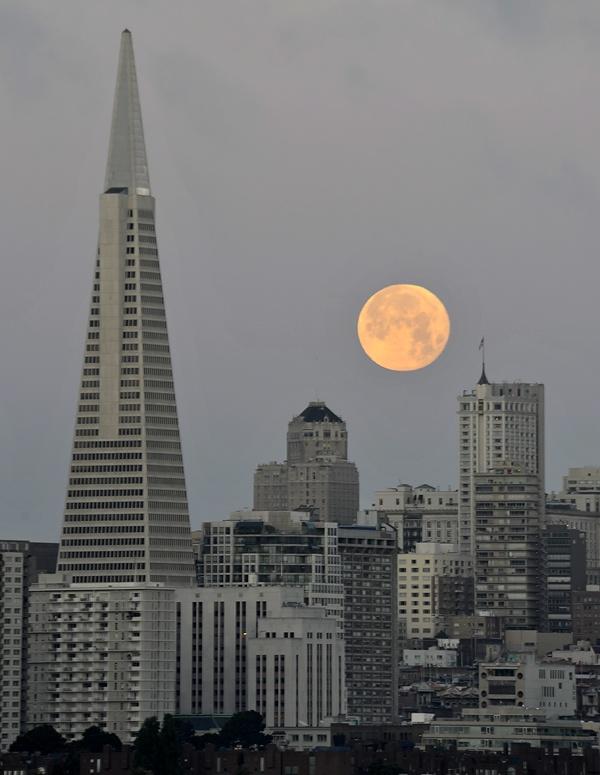 San Francisco: Moon, Francisco Bay, Beautiful Moon, Transamerica Financial Wfg, Bay Area, San Francisco, Transamerica Pyramid