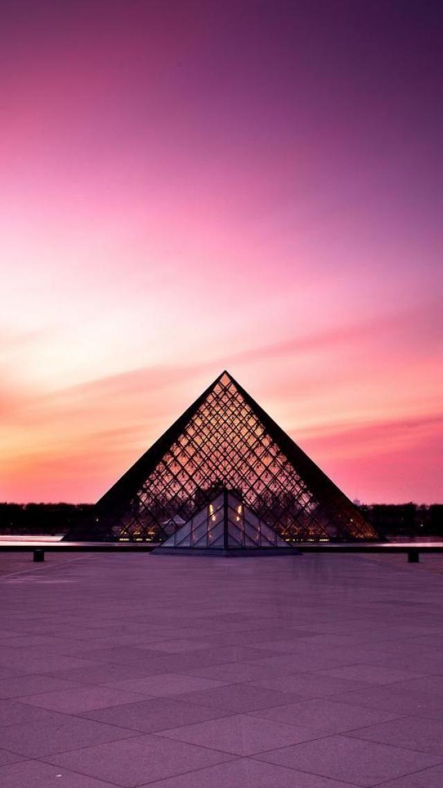 Vejas as fotos mais lindas de Paris, a cidade mais romântica da França e do mundo! Fique encantado com as cores, as luzes e a beleza de Paris!