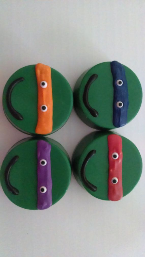 Turtle Chocolate covered oreos by SweetUOffYourFeet on Etsy, $24.00