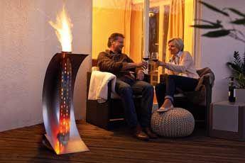 Feuersegel von stahl-art Rufer GmbH mit einzigartigem Design, Stahlkunst und Feuer für optischen Genuss und Gemütlichkeit. Grilltisch in perfekter Schweizer Qualität, von Hand hergestellt  #feuerkugel#holzkohlengrill#gartengrill#swissmade#barbeque#grilltisch#swissmade#stahlkunst  www.wohn-punkt.ch