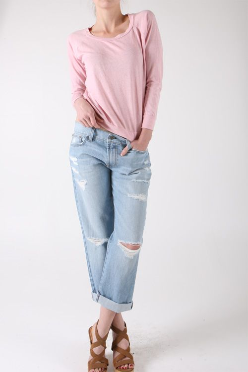 Relaxed and comfortable boyfriend fit jeans