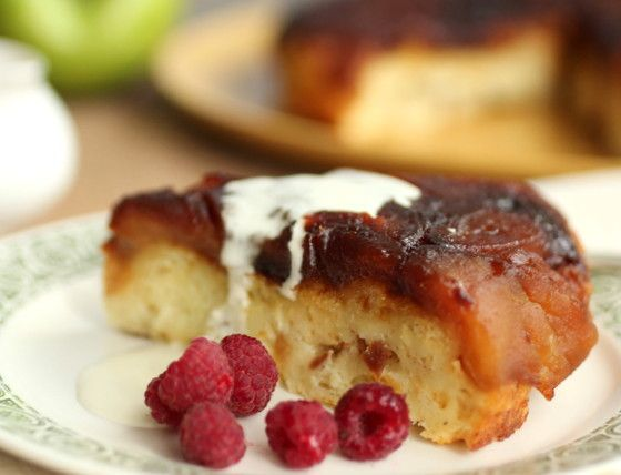 Vintage Kitchen Notes: Vintage Monday - Caramelized Apple Upside Down Bread Pudding