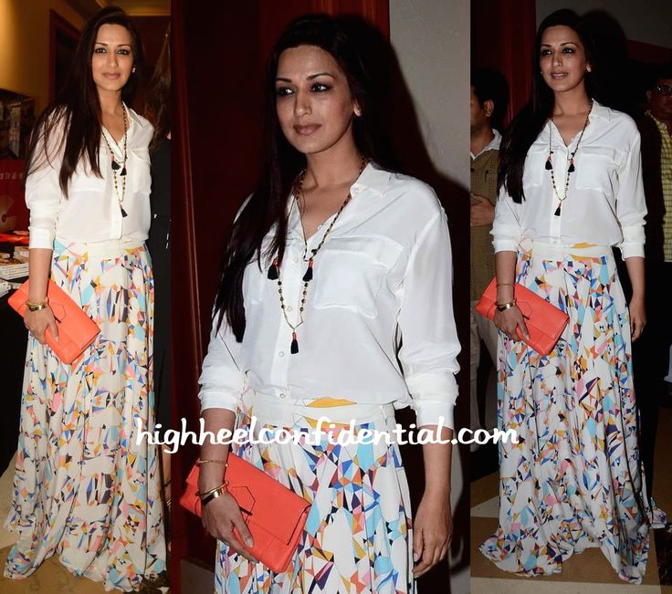 sonali bendre at twinkle khanna book launch-1
