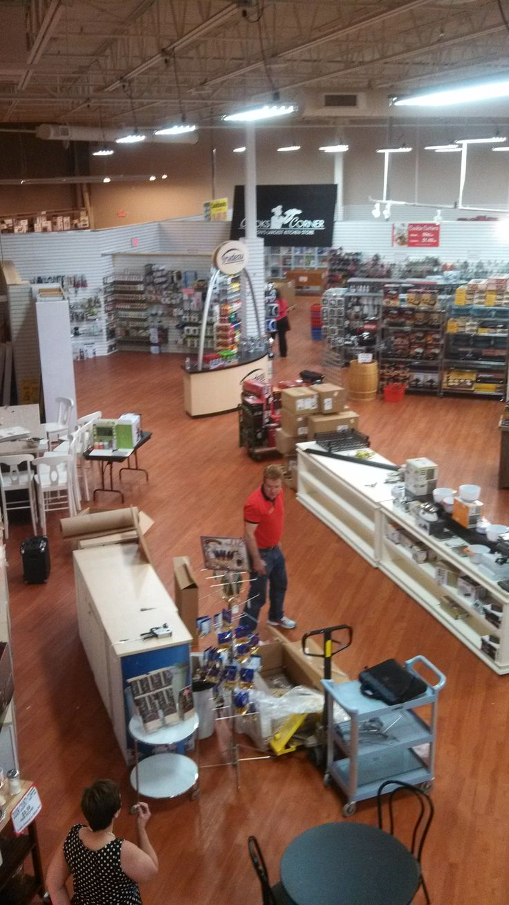 Wonderful Green Bay Kitchen Store Part   10: HIC Team Member Allyn Visits  Our Customer