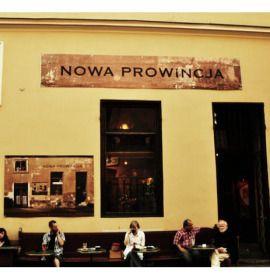 Kawiarnia Nowa Prowincja, znajdująca się przy krakowskim Rynku, w samym sercu Miasta Królów, przy ul. Brackiej 3