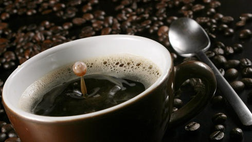 Was gibt es schöneres als einen guten Kaffee direkt nach dem Aufstehen? =)  Für mich gibt es nicht schlimmeres, wenn wie letzte Woche meine Kaffeemaschine defekt ist. Gott sei Dank gibt es den Siemens Kundendienst www.siemens-home.de/kundendienst.html