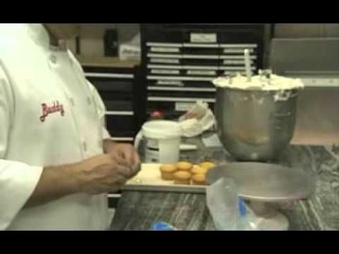 Watch Buddy Valastro, the Cake Boss, demonstrate Cupcake Decoration Techniques.
