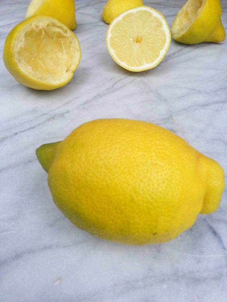 Lauwwarm citroenwater