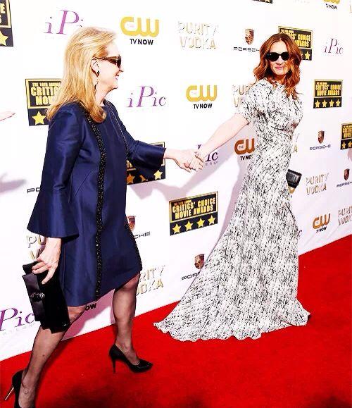 Maryl Streep and Julia Roberts at Critics Choice Awards