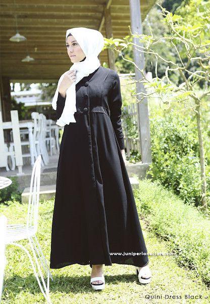Quini Dress Black - Klik gambar untuk melihat detail dan harga produk Juniperlane di website zilbab.com. Hijab, Jilbab, Fashion Hijab, Juniperlane Hijab, Hijabi, Juniper Hijab, Juniper Lane.