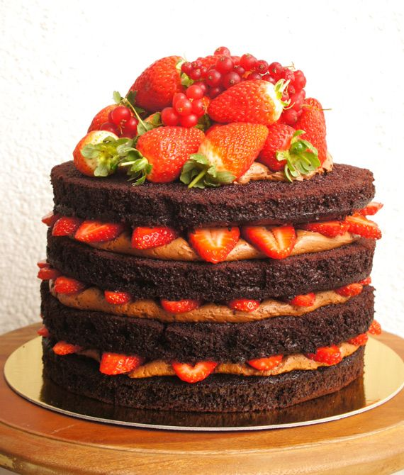 Naked Cake de Morango com chocolate