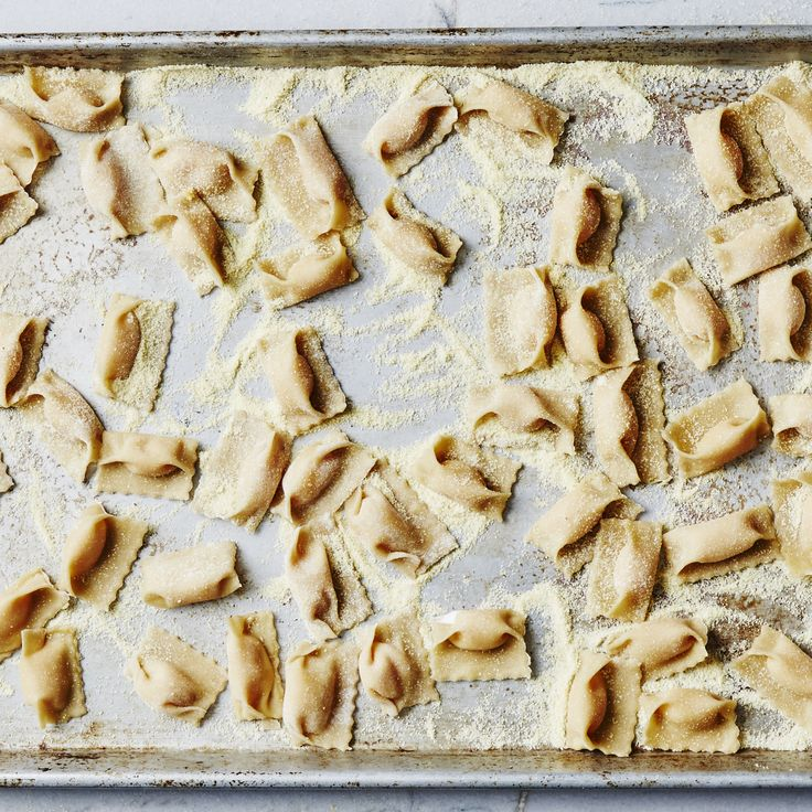A step-by-step guide to making agnolotti filled with puréed butternut squash.
