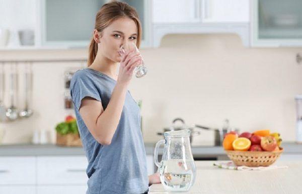 Týždenná zdravá diéta plná vody, ovocia a výdatných polievok: Za týždeň sa mi vďaka nej podarilo schudnúť až 5 kilogramov a najlepšie nato je, že som nemusela hladovať | Báječné Ženy