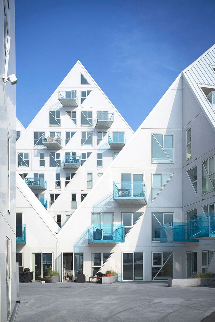 Built Unbuilt: Showcasing The Works of Julien de Smedt https://www.futuristarchitecture.com/35997-built-unbuilt-showcasing-works-julien-de-smedt.html