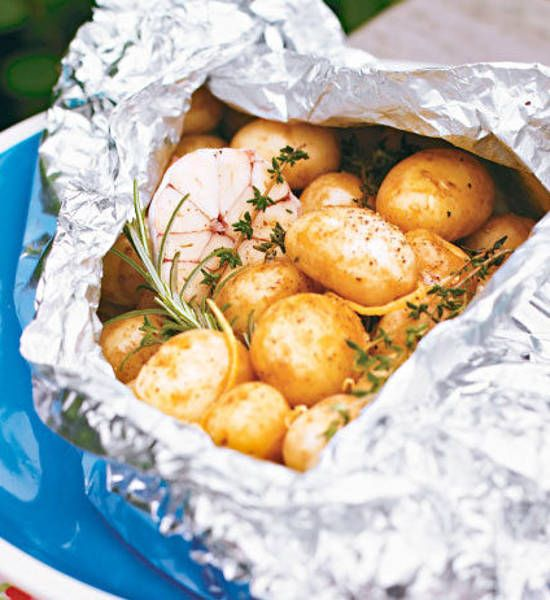 Herb And Garlic Potatoes Better Homes And Gardens