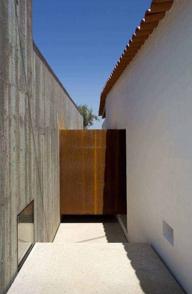 Gallery of House in Chamusca Da Beira / João Mendes Ribeiro - 11